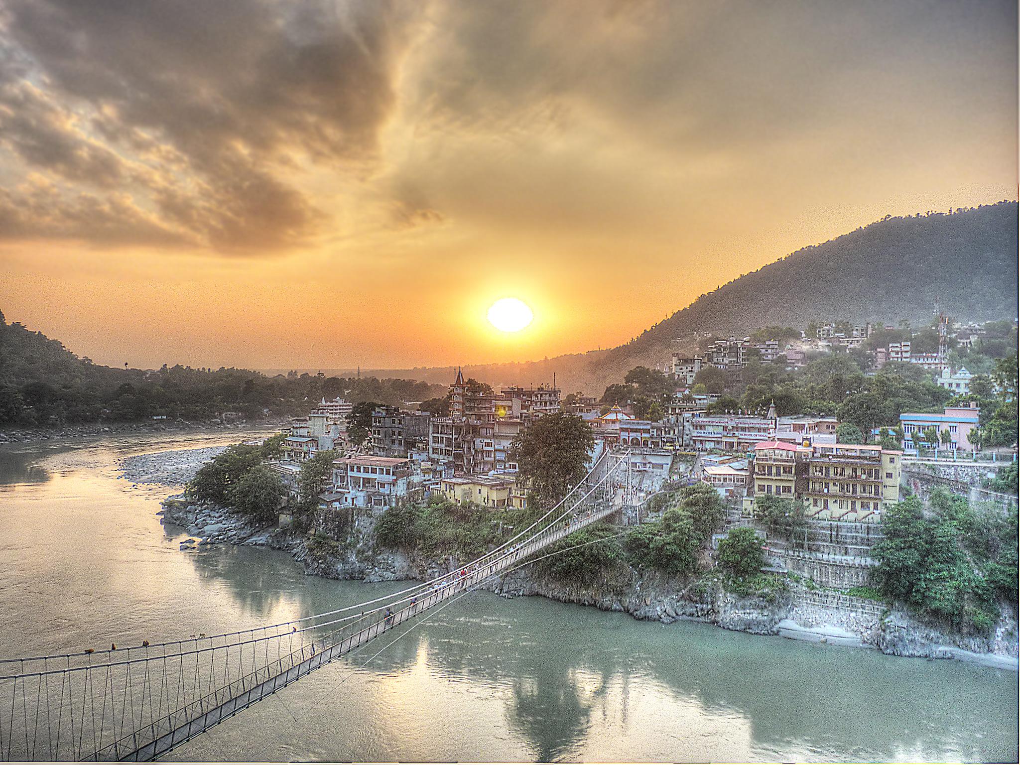 sunset_-_lakshman_jhula