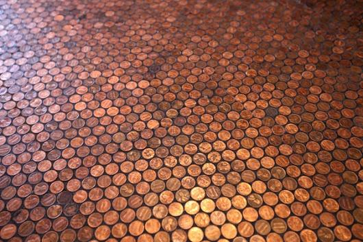 金貨を敷き詰めた床